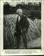 1973 Press Photo Portrait of man & charcoal burner - pia00012