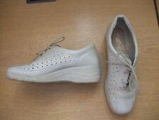 Ladies Shoes Rohde beige leather lace-ups, UK 5.5, EU 39, slight platform 3208