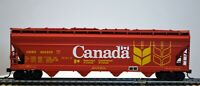 """ATHEARN HO Scale """"CANADA"""" 55' Center Flow Covered Hopper; #395330; KD's"""