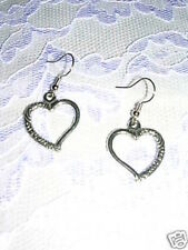 NEW PRETTY HEART / HEARTS WITH SCROLL DETAILS DANGLING DROP PEWTER EARRINGS
