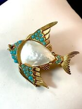 CROWN TRIFARI GOLD-TONE MOTHER OF PEARL TURQUOISE BEAD ANGELFISH FIGURAL BROOCH