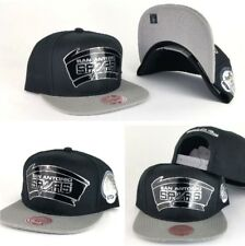 new style 27b34 9b4bd Mitchell   Ness NBA San Antonio Spurs 5X Champions Black   Grey snapback  Hat Cap