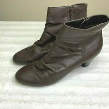 Hush Puppies Soft Style Brown Booties Womens Shoes Size 10 Shortie Boots