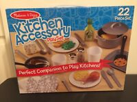 NEW! MELISSA & DOUG KITCHEN ACCESSORY 22 PIECE PLAY SET NIB!