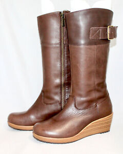 CROCS A-Leigh Brown Leather Wedge Boot Wo's 5.5M Side Zip Buckle Strap Mid-Calf