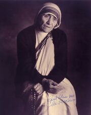 SAINT MOTHER TERESA HAND SIGNED AUTOGRAPHED 8X10 BW PHOTO STUNNING!!