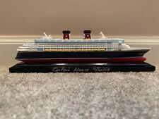 CAPTAIN SIGNED BRAND NEW DISNEY WONDER SHIP CRUISE LINE DCL MODEL REPLICA FIGURE