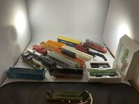 Lot of Ho Scale Freight Train Box Cars Bachmann Tyco Untested
