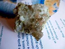 FLUORITE fluorine ROSE avec quartz enfumé et albite. Alpes Mont Blanc.