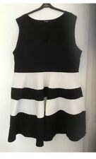 GORGEOUS BLACK /WHITE DRESS SIZE 26/28 BY YOURS