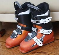 SALOMON T3 JUNIOR SKI BOOTS SIZE 22.5 JUNIOR 4.5