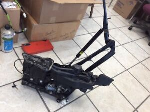 2010-2015 LEXUS CONVERTIBLE IS250C TRUNK HINGE ASSEMBLY 64520-53050 DRIVER IS350