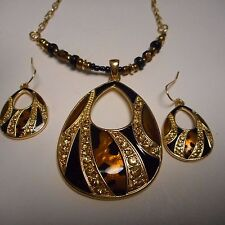 WOW BEAUTIFUL crystal and enamel*** NECKLACE AND EARRING SET  *** STAMPED KC ***