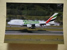 EMIRATES AIRLINES  AIRBUS A 380   A6-EEW  / collection vilain N° 1185