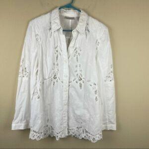 Draper's & Damon's White Floral Embroidered cutout Button Down Shirt Size M EUC