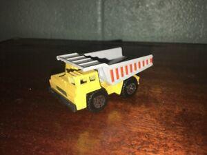 1:87 SCALE 1989 MATCHBOX HEAVY CONSTRUCTION DUMP TRUCK MADE IN MACUA