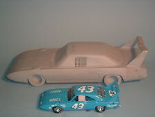 RICHARD PETTY 1970 PLYMOUTH SUPERBIRD & PROTOTYPE FRANKLIN MINT 1:24 & DISPLAY