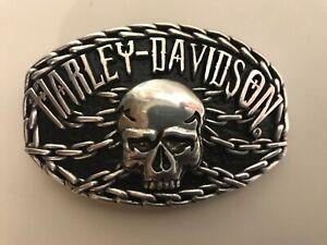 Harley-Davidson men's Skull and Chains belt buckle.#97636-10VM.Silver plaited.