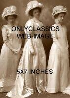 1890 VICTORIAN WEDDING MELANCHOLY BRIDE PHOTO SEXY CUTE GIRL WHITE SATIN DRESS