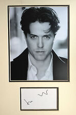HUGH GRANT GREAT BRITISH ACTOR  - SUPERB SIGNED B/W PHOTO DISPLAY
