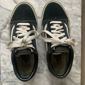Black And White Classic Vans Trainers Low Tops - Size 4.5
