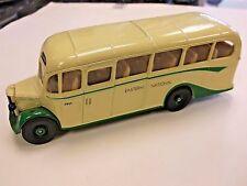 Corgi Bedford OB Coach Eastern National in Cream & Green 1:43 - Loose