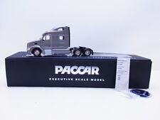 58048 Tonkin Replicas Paccar Peterbilt 587 Sleeper Cab silber US-Truck 1:50 NEU