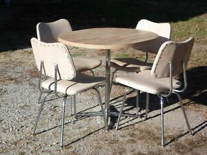 Vintage Mid Century Chrome Dinette Set Oval Dining Table & 4 Chairs Dining Set