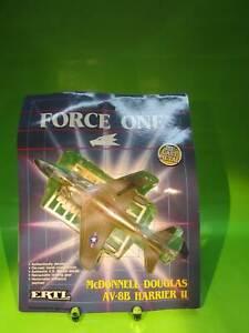 McDONNELL DOUGLAS AV-8B HARRIER II - ERTL Modell - original verpackt
