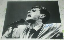 DAVID BYRNE SIGNED TALKING HEADS FRONTMAN CLASSIC ON STAGE 8X10 PHOTO AUTO COA