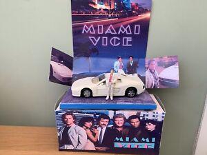 Miami Vice Crocketts Ferrari  Testarossa Code 3 With Figure