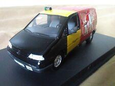 Antigua miniatura 1:43 Scale Carr PR015 Peugeot 806 Taxi de Barcelona Kit Kat.