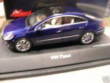1/43 SCHUCO 07252 VW Passat blaumetallic