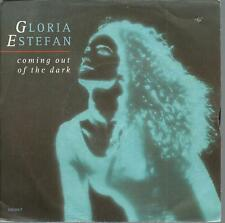 45 TOURS  2 TITRES / GLORIA ESTEFAN    COMING OUT OF THE DARK