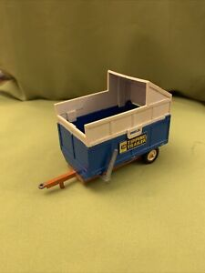 Britains Farm Tipping Trailer blue vintage model 1/32