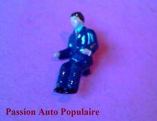 DINKY TOYS 885 : SAVIEM PORTE FERS conducteur peint / driver painted