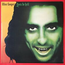 Alice Cooper Goes To Hell LP with Inner sleeve 1976 Excellent Condition