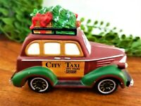 Dept 56 Heritage Village City Taxi Christmas in the City Car Wheels Roll 58894