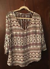 juniors plus blouse, fun back , 3/4 sleeve top, paisley print