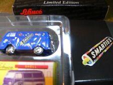Schuco Piccolo Smarties Set VW T2 + Anstecker 05228