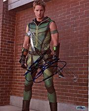 Smallville Justin Hartley/Green Arrow 8x10 Color Photo (EBAU-1277)