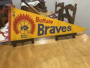 LOOK  😳 1970 Buffalo Braves full size basketball pennant
