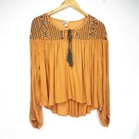 GIMMICKS by BKE BUCKLE boho top size small Burnt Orange