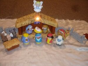 2002 FISHER PRICE LITTLE PEOPLE DELUXE CHRISTMAS NATIVITY SET LIGHTS UP MUSICAL