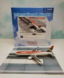 Dragon Wings 1:400 Ocean Air 767-300 PR-ONA with runway segment Boeing Brazil