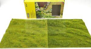 NOCH 07470 - Set 2 tappeti erbosi come in foto. 25 X 25 cm l'uno.