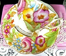 ROYAL ALBERT tea cup and saucer floral painted Bouquet pattern fancy teacup