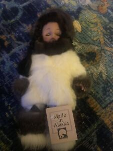"15"" Alaskan MeMeluck Eskimo Doll **Made in Alaska** NWT"