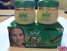 Appareils tous ingrédients naturels pour le soin du visage