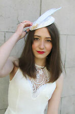 Ivory Cream Gold Feather Fascinator Headpiece Hat Vintage Races Hair Clip Y76
